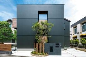 「暮らす」と「働く」を好みのインテリア空間で快適に両立させたブルックリンスタイルの家