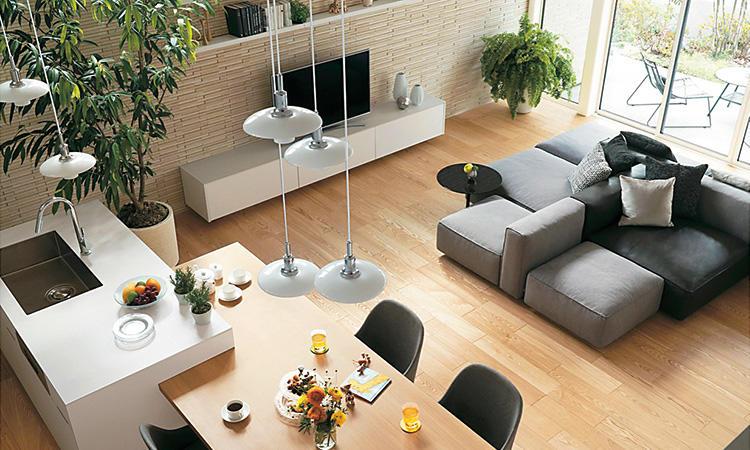 高さを利用すれば多彩な空間が生まれ集中&分散収納でより快適に