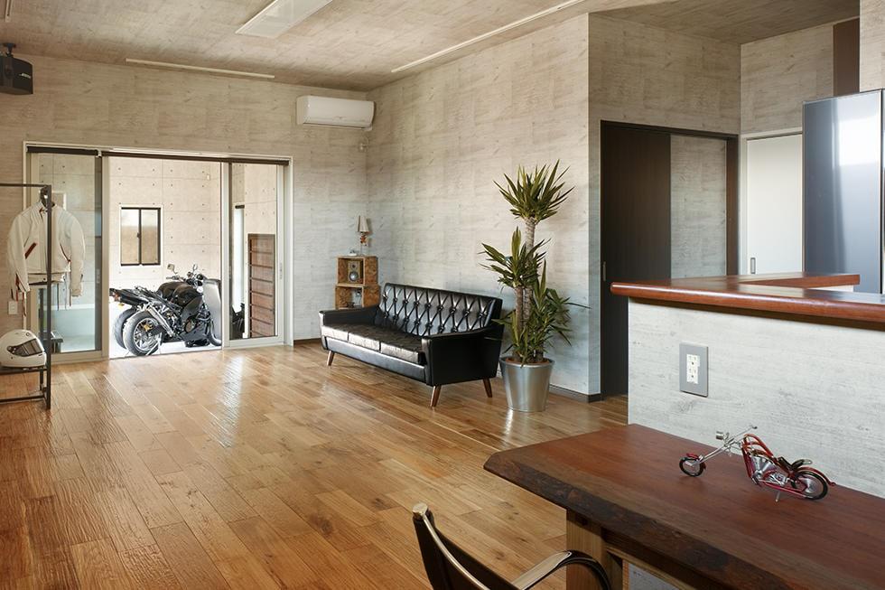 愛車と暮らす平屋の家