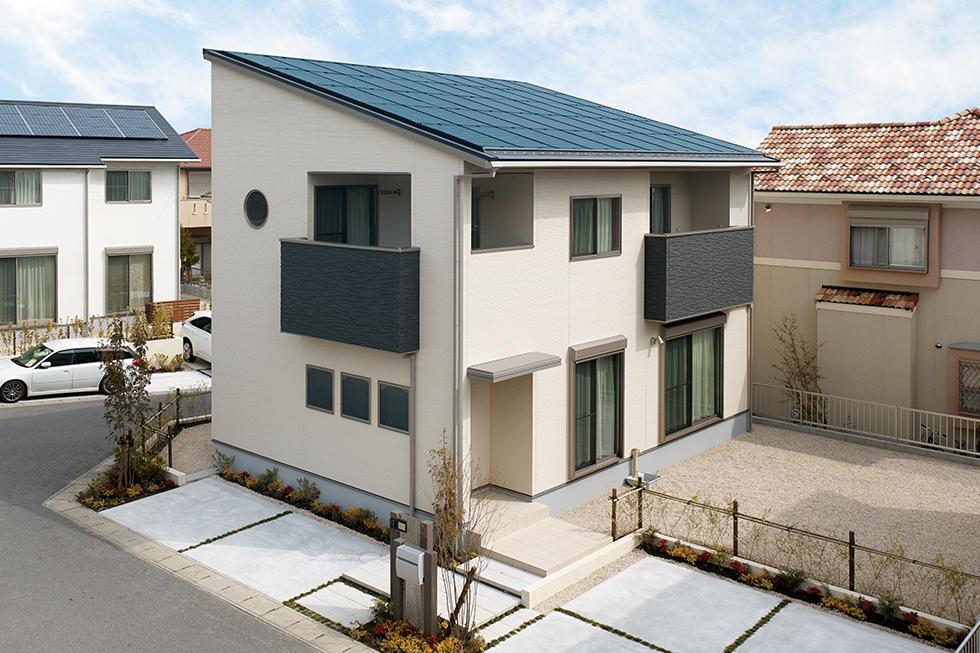 10kW搭載の太陽光発電システムで、地球にも家計にもやさしい家