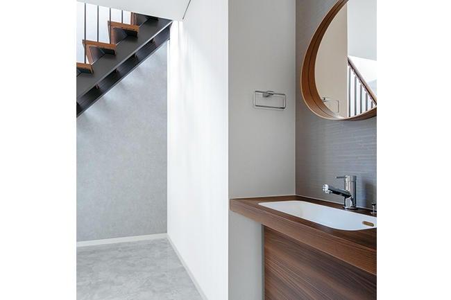 1階ホールの手洗い台。