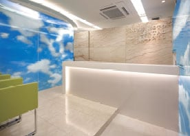 自然を感じる歯科医院をデザイン