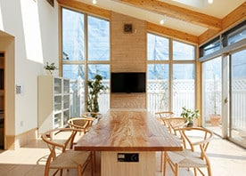 増築で、光と風の中に ご家族やゲストが集う空間を実現