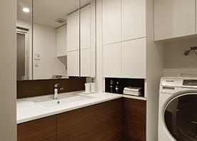 造作収納で、洗面室を美しく有効活用する