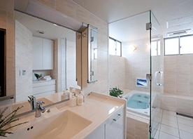 パウダールームとバスルームが融合した広々ヒーリングスペース