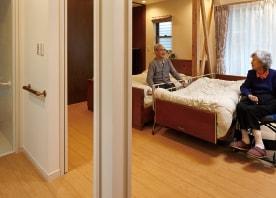 和室の面影を残した寝室にサニタリーとLDKが寄り添うバリアフリー空間