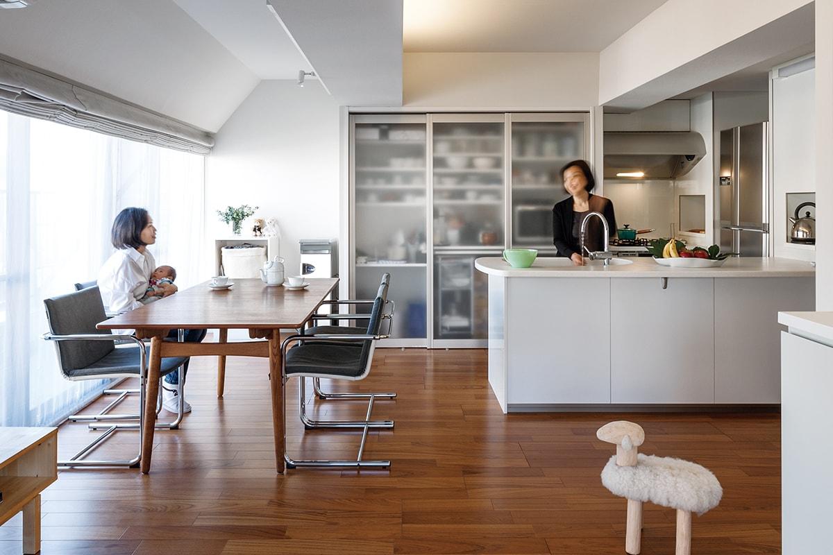 リビング ダイニング キッチン のリフォーム実例 梁型を活かした